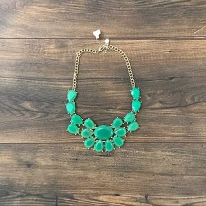 ✨NWT Francesca's Bib Necklace